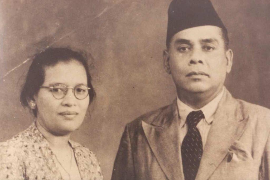 Dahlan Abdullah bersama Istri tercinta